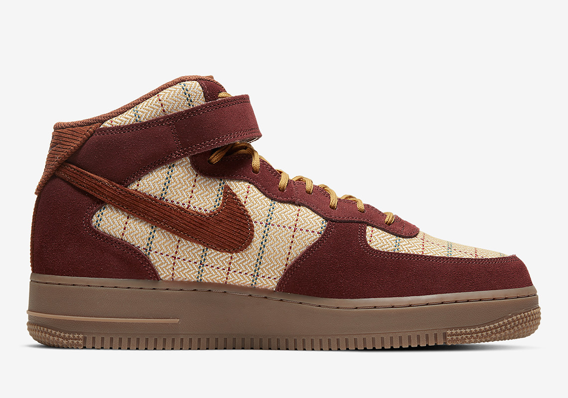 《Nike Air Force 1 Mid'07LV8 货号:CT1206-900》